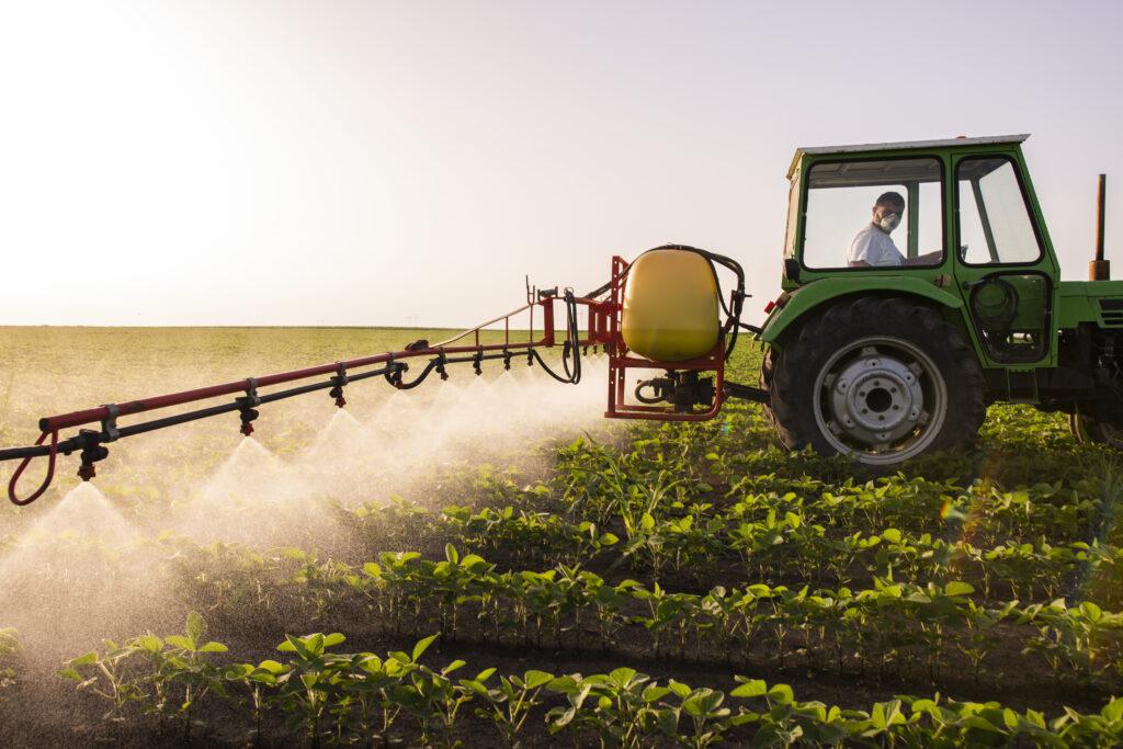 Контроль за оборотом пестицидов и агрохимикатов ужесточат