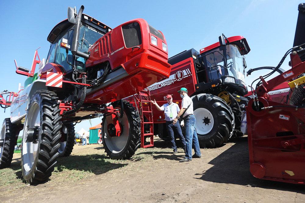 Новейшую сельхозтехнику представили белорусские предприятия на Всероссийском Дне поля